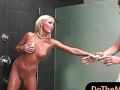 Diana Doll video xxx - ho scopato tua mamma